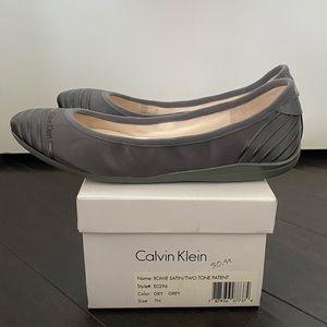 Calvin Klein Romie flat grey satin